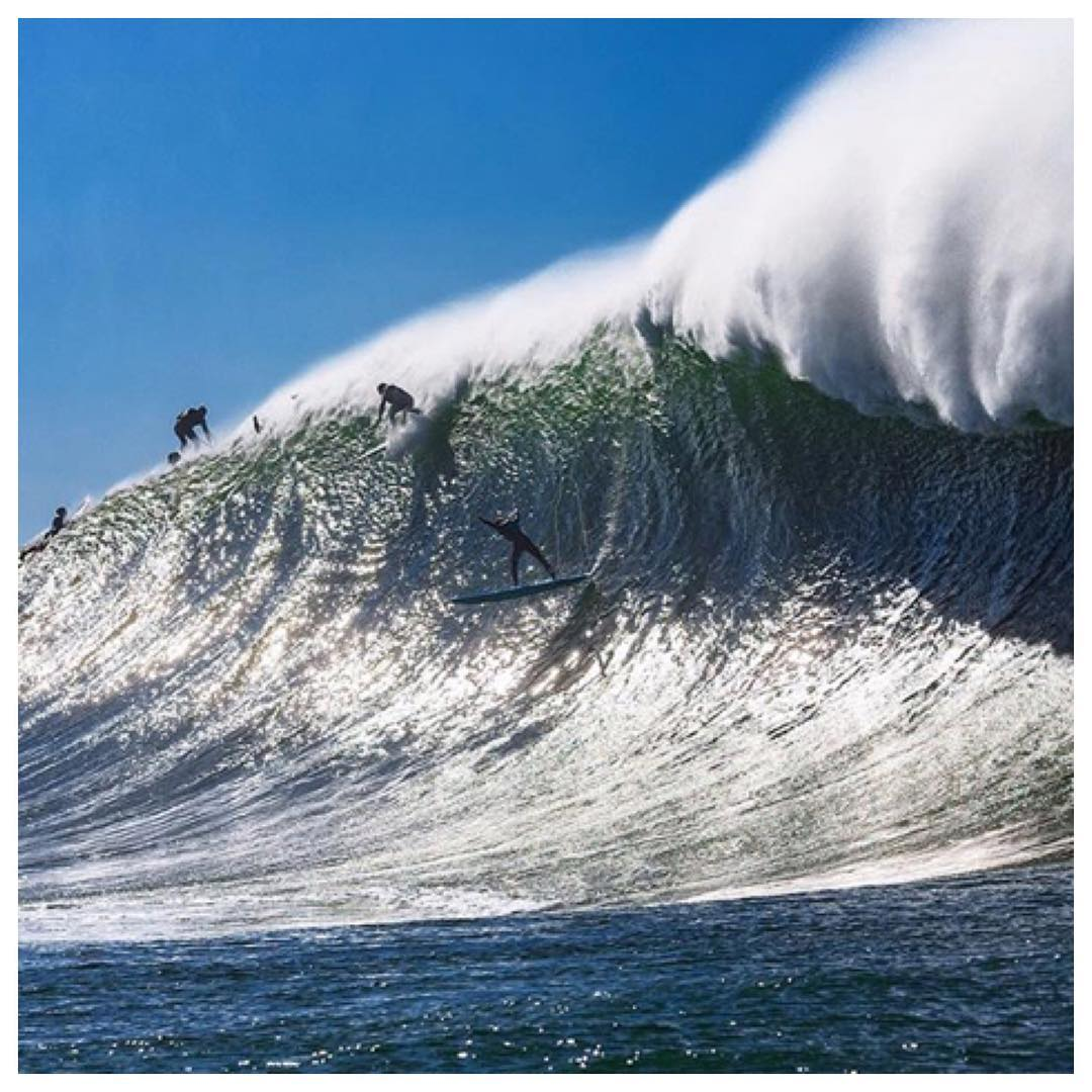 To say @_mattbecker has been putting in work at Mavericks the past few seasons would be an understatement. Here he is in the bowl, paying his dues! #teamprolite #surftravel #surf #mavericks