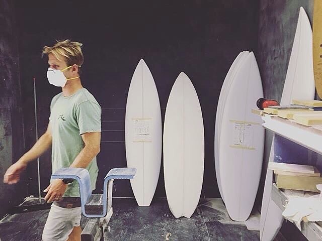 @josh_kerr84 Putting some time in the @rustysurfboards factory getting the quiver ready for #quikpro snapper! Can't wait to see how the boards go in competition with our #3dfins. #GoJoshKerr Heat 10.. @WSL today
