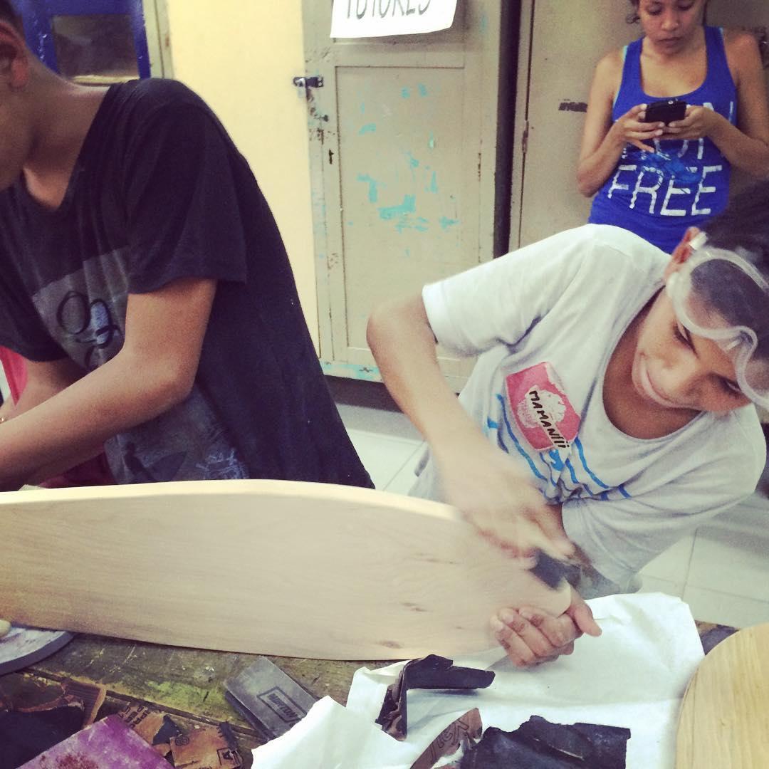Seguimos seguimos! #deslizate #barriolaloma #skate