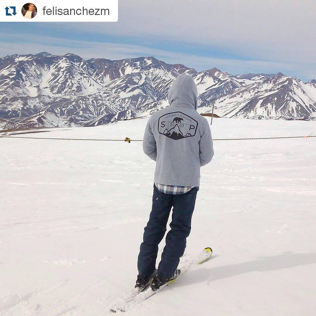 Una imagen de nuestros seguidores! Temporada invierno en Las Leñas!! #Repost @felisanchezm with @repostapp ・・・ #lasleñas #ski #marte #stopollution último dia!