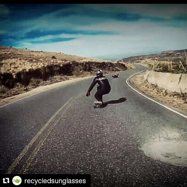 Aca les dejamos una captura de lo que anduvo patinando el team en Copina. @cattamc @cris_cio  Stopollution x el pais!  #Repost @recycledsunglasses ・・・ Parte del team está en Copina- Córdoba. Primer día de trip con buenas bajadas. Les dejamos una...
