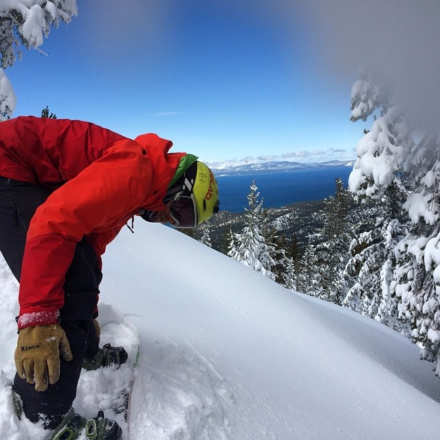 Not a bad spot for @tahoelabboards to be strapping in! This winter has blessed is with some unreal powder days. Now it's time for spring shredding. I hope another system comes through. Any beta on that anyone? Lab final at LTCC today then back to the...