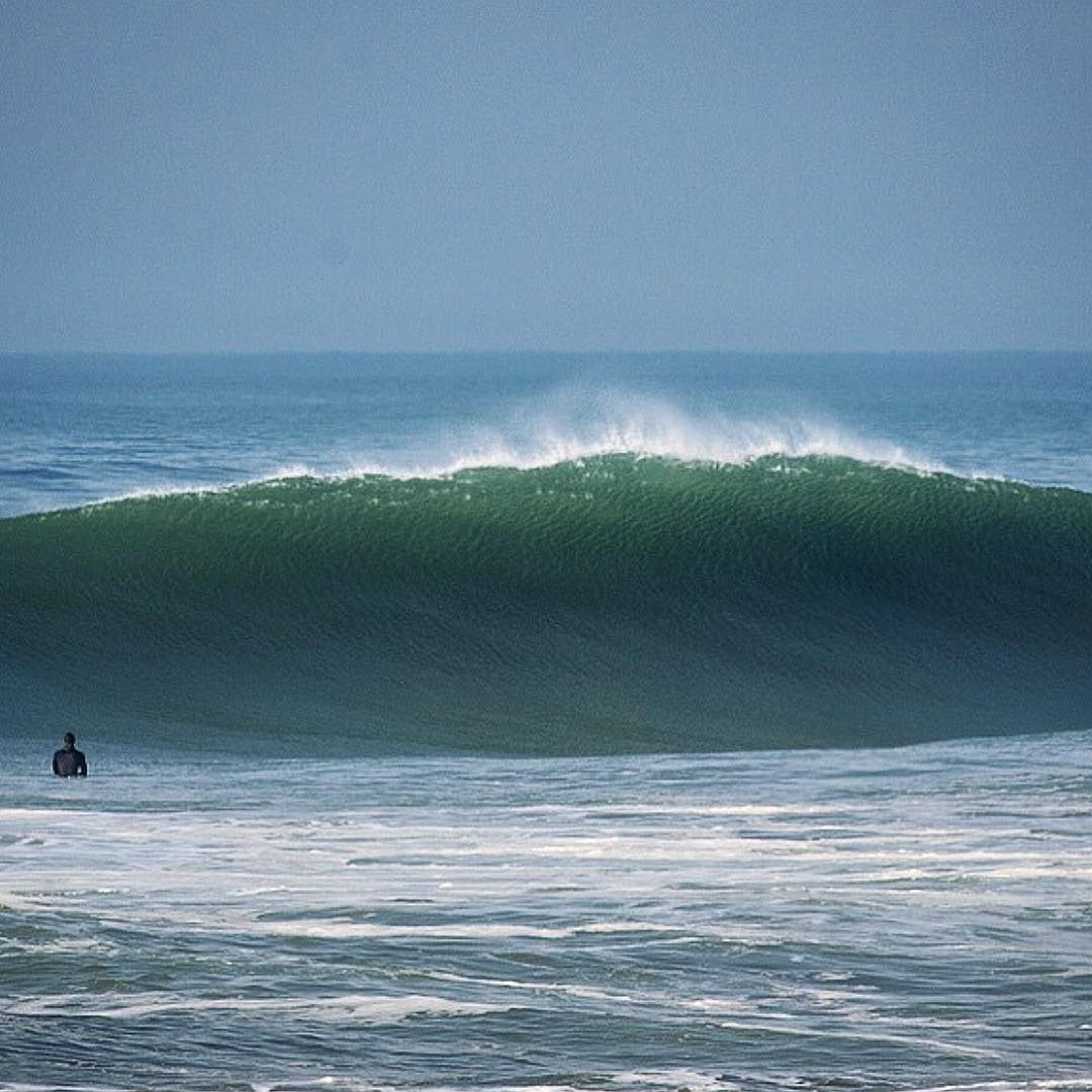 Get some of this green today for your #stpatricksday. *surf report disclaimer: this would be the freak set of the day but the conditions are the same. Cheers