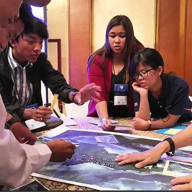 Discussions on Marine Spatial Planning spark a debate on the human rights of various island stakeholders. @culturalvistas @statedept @usembassyjkt @billabongwomens @lobitos_cinema_project @oceanconservancy @mission_blue #yseali #ysealioceans #jakarta...