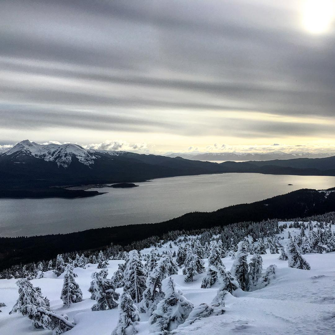 #snowboardingaroundtheworld #alaska #eaglecrest #snowboarding #thrivesnowboards #explore #mountainlife