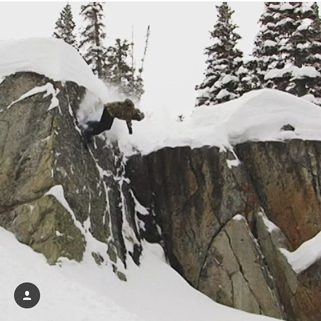 @cacofischer with that out of bounds wall ride at @brightonresort recently // hope you all have been playing in the snow  #nichesnowboards #findyourniche #brightonresort #backcountry #wasatch #utah #snowboarding #getout #gosnowboard #wallride