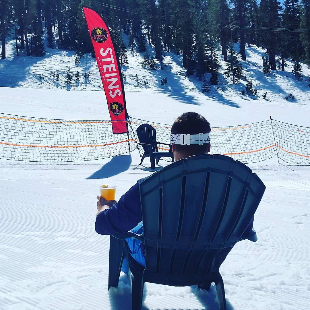 Catchin' some rays and drinking some brew at Steins! #getoutside #tahoelife #skiheavenly #whatsyour20 #tahoesnaps #winter #outdoorsrocx