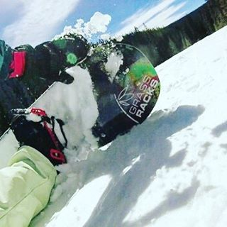 Season's not over yet.. Visit our site this weekend and give your boards a better home than your closet. This weekend only take 15% OFF your purchase! Link is in our bio & discount code is on-site.  #colorado #winter #snowboard #snowboarding...