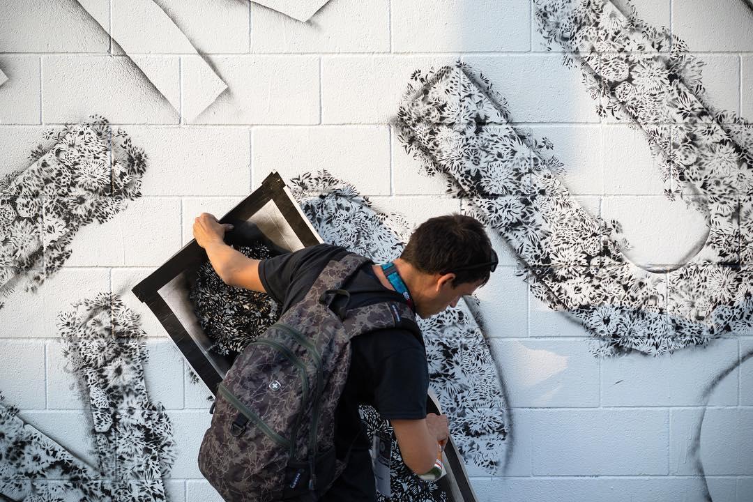 @davelowell WIP Photo by @mrjasperwong • • The Impossible Walls Project SprATX with @sxsw & @powwowworldwide • • Supported by @rvca @montanacans @flexfit @hawaiianairlines @1xrun @nativeshoes @monsterenergy @thinkspace_art • • #atx #austintx #texas #tx...