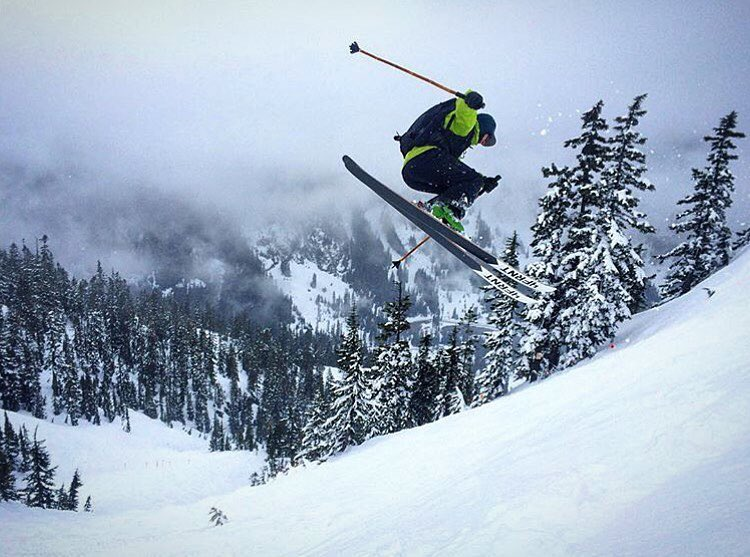 @markeywa spinning through a dream in the PNW. #shapingskiing