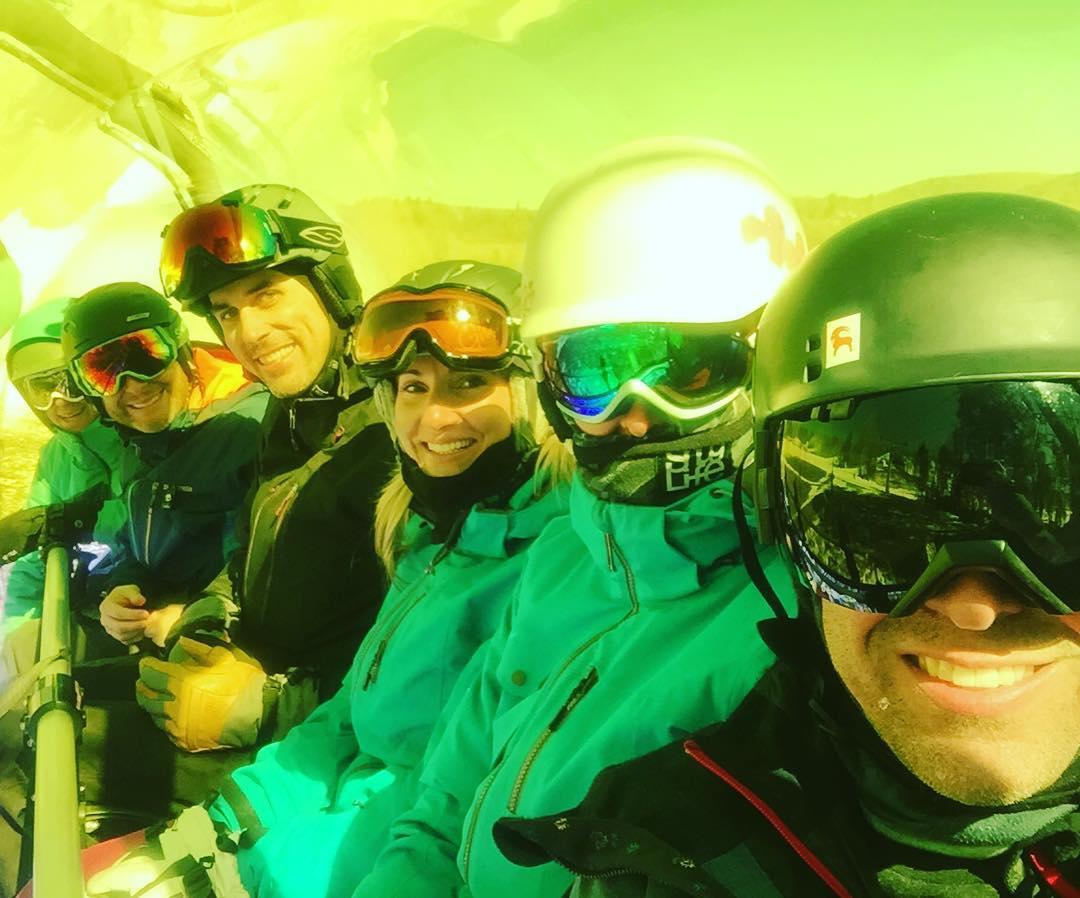 Golden Bubble! #justsendit #WhoaBrah #skiing #snowboarding #apres #bluebird #mountsnow #vermont @mountsnow #itsstillwinter
