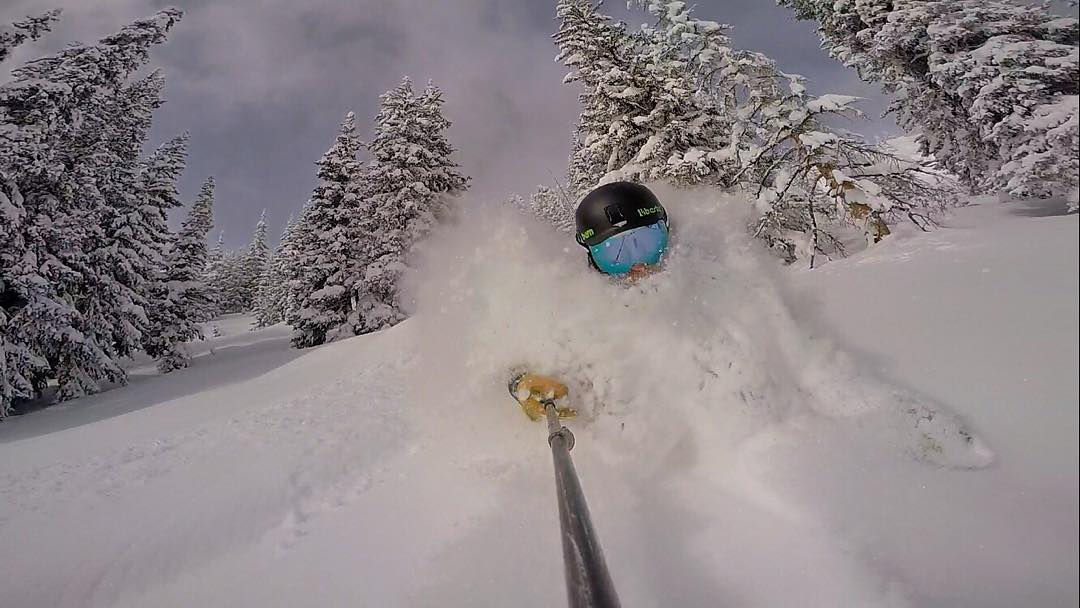 Great to be skiing bottomless powder again...winter is definitely back in Vail! #10thadventures #rideliberty #rei1440project #optoutside #skiing #vaillive