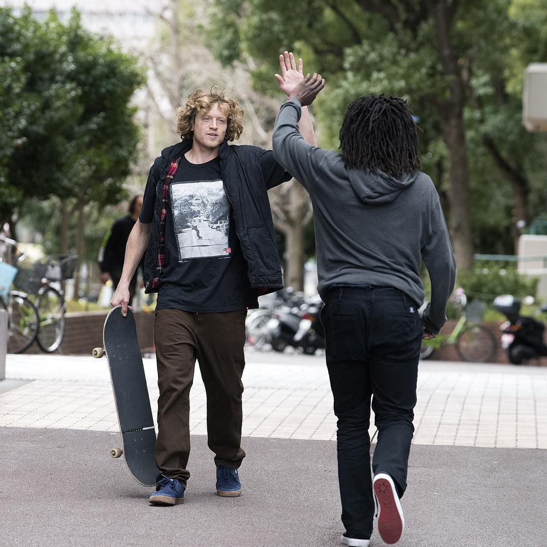 High 5's all around! #WesKremer and @cyril_killa. Photo: @blabacphoto #DCShoes