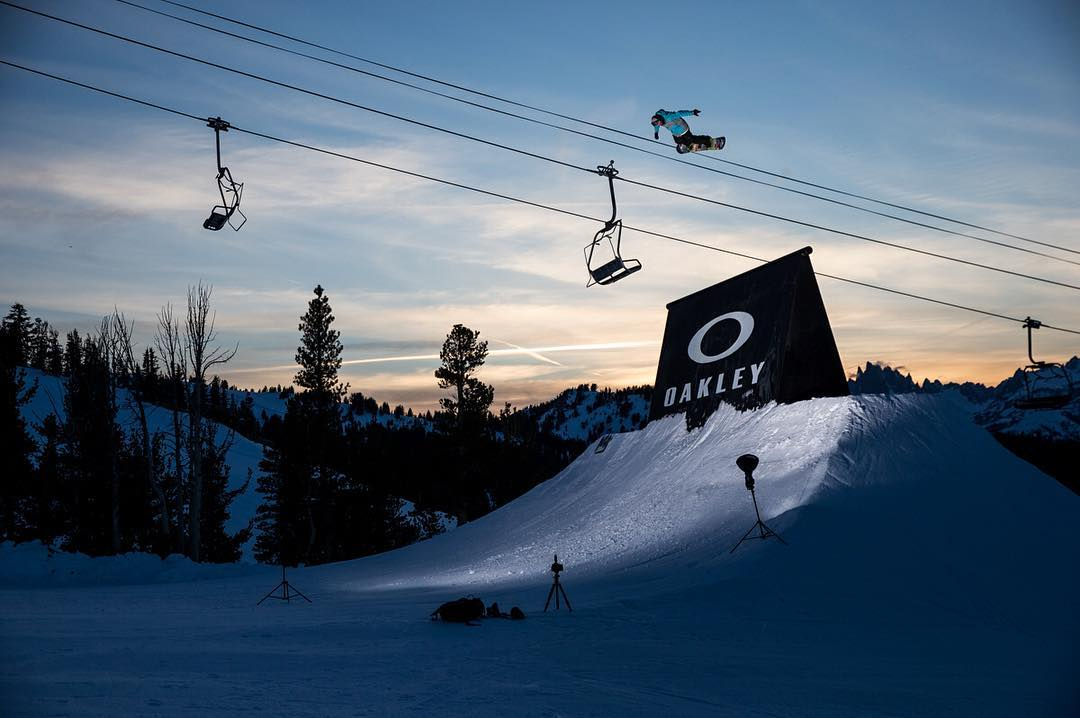 Levitation, homes.  @sebtoots testing the limits of the custom wallride during the jam session with @eeroettala, @sventhorgren, @jamieanderson, @abmskier and @sammycski in the @mammothunbound park. Been an incredible week up here at @mammothmountain....
