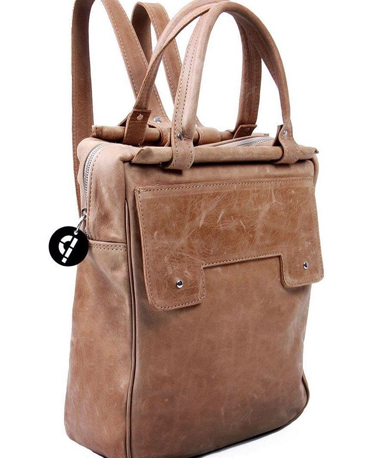 #industriaArgentina #madeInArgentina #Pitimini #mochila13 #portanotebook #tecno #techno #bagpack #design