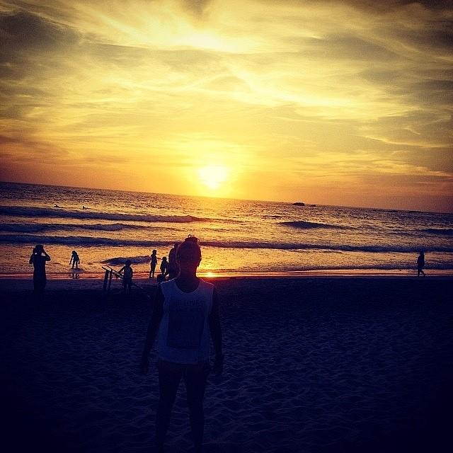 Postal de @josefina_ane disfrutando el atardecer de Ecuador ☼ #soul #surfing #waves #isawjsc #reefargentina