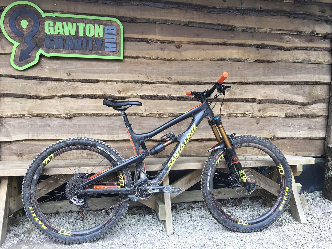 Hucked this thing pretty hard today with the lads, another good ride at some local trails. #Gawton #tavi #allthelads  @samreynolds26 where you at?