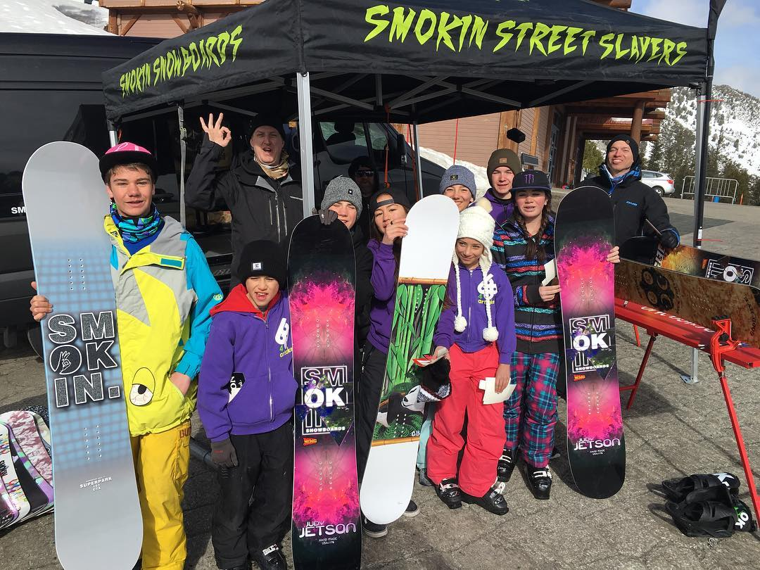 Big thanks to @bobosskiandboard for stopping by to check out the new stuff @mtroseskitahoe - thanks to @bobosskiboard for putting this on.  #SmokinNationaDemoTour | #weareOK | #handmadeUSA | #comeandfindoutwhatthehypesallabout | #smokinsnowboards
