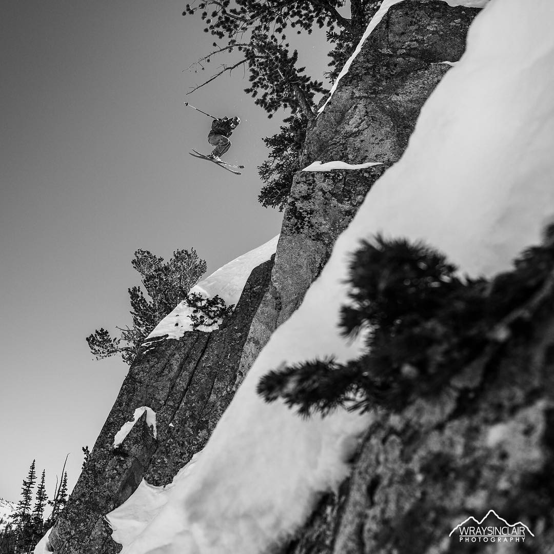 Snowpack seems to be in. @robaseltine out sending some big ones this weekend around home in the Wasatch. #shapingskiing |