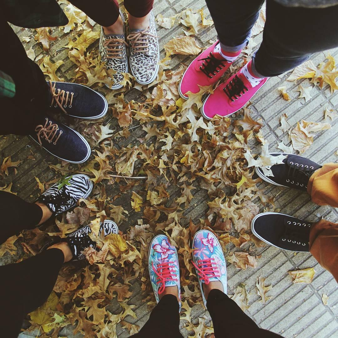 Aguante el otoño y pisar las hojas secas en Tabas!