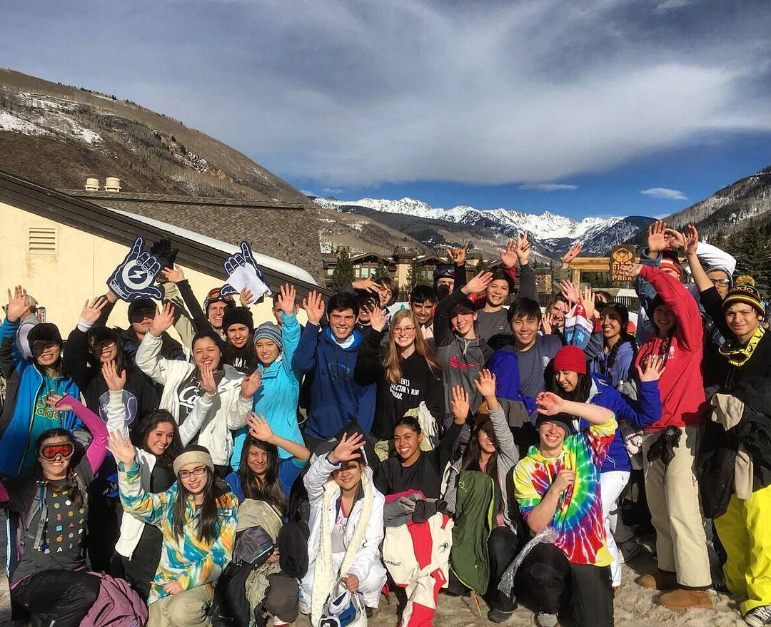 What a perfect day to #shred at @VailMtn ! Snowcore students from @Pinnacle High school had a blast on the hill today. Thanks to all the amazing instructors for making these smiles possible :-)