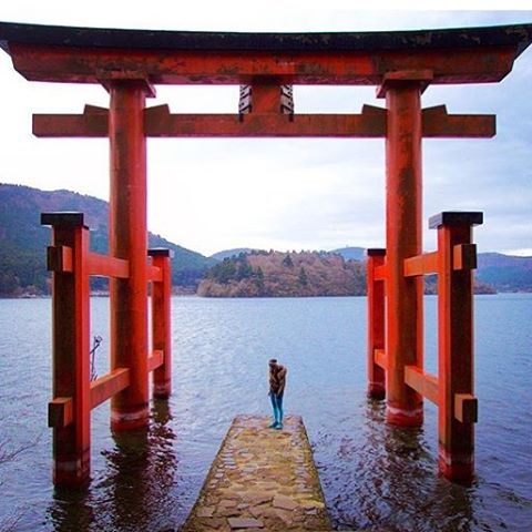 SEEK OUT BEAUTY IN ALL THINGS @giana_l exploring #Japan #mondaymatra #travel #explore #mondaymotivation #OKIINO