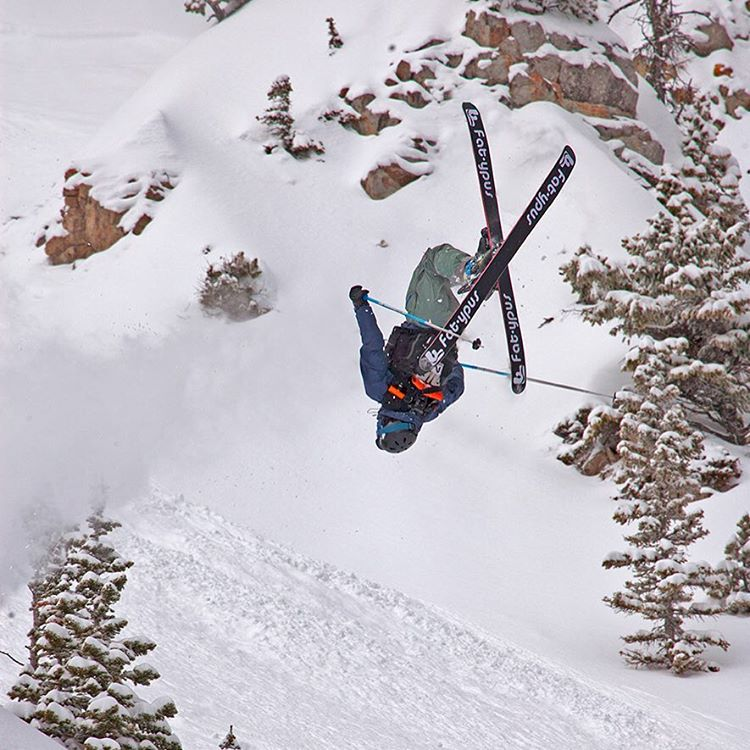 Not too many ski patrol send it like @bridgerbowl 's Shane Cottom.  PC: Pat Clayton  #flylowgear | #embracethestorm