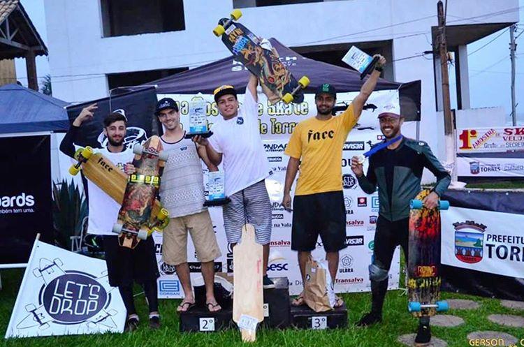 Congrats to #BernardoBrambila taking 1st and #RogerioBaum 4th at the #MostradeSkatedeVelocidadedeTorres race! #rayneAVENGER #rayneVANDAL #Brazilianracing