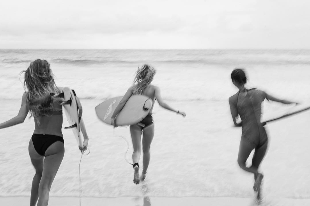 Byron Bay blur #3Amigos #ROXYxSummersite Part 3 Live now, link in bio.