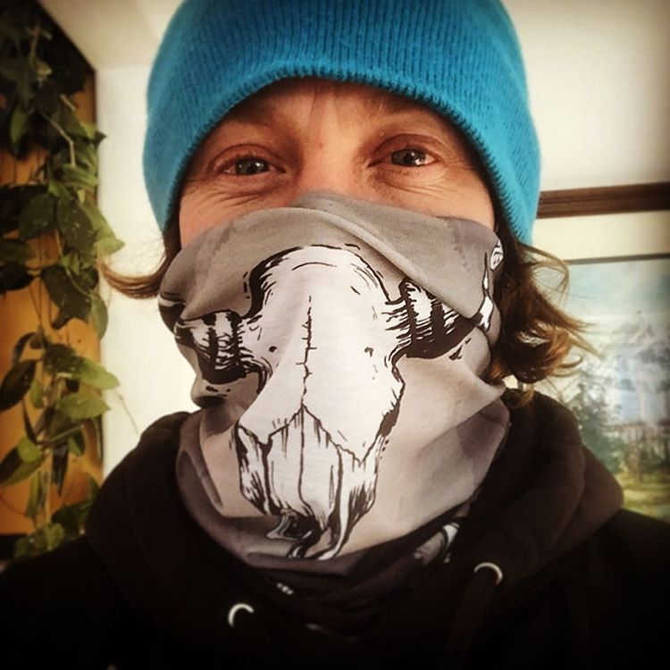 @robkingwill rocks the new custom @jhpowwow 2016 faceshield designed by #A7Artist @kyehalpin. #avalon7 #liveactivated #snowboarding #customfacemasks www.avalon7.co