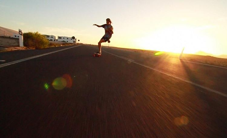 Go to longboardgirlscrew.com to check LGC Dutch Ambassador @femkebosma living life to the fullest during the month she spent in Lanzarote, Canary Islands. Fill your lives with adventure!  Video and photo by Jolanda Felix.  #longboardgirlscrew...