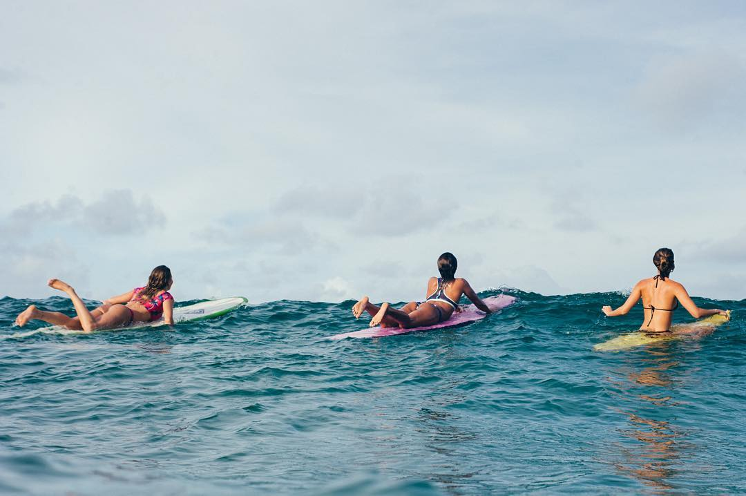 One last paddle for the #3Amigos on their #ROXYxSummersite adventure