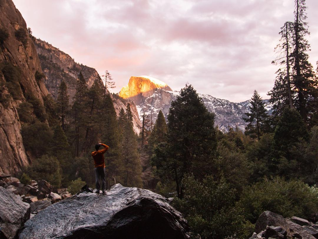 @joseromero93 captures that golden hour sunset from Lower Yosemite Falls.
