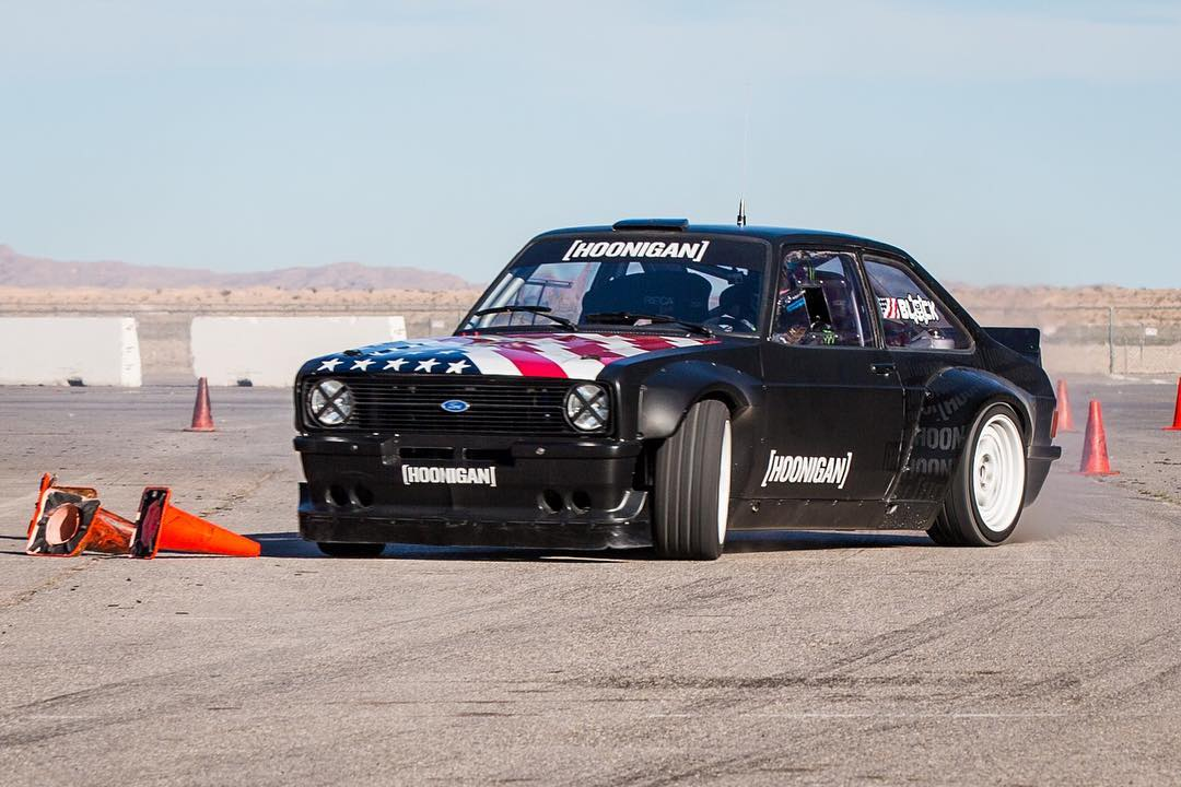Last year I think I got a total of 10 aggressive laps in the #GymkhanaEscort after it was built. That's a sin!! So I brought it out to our seat time session in Las Vegas over the past two days to hear that engine wail, and get some RWD practice and...