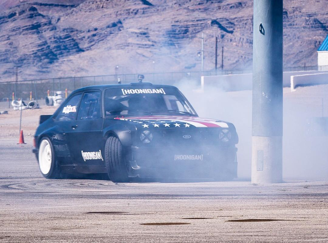 "I like RWD donuts, although I rarely get to do them. Here's a shot of me playing the ""get close but not too close because this Rocket Bunny kit is beautiful"" game around a light pole yesterday. #Mk2FTW #GymkhanaEscort #FordEscort"