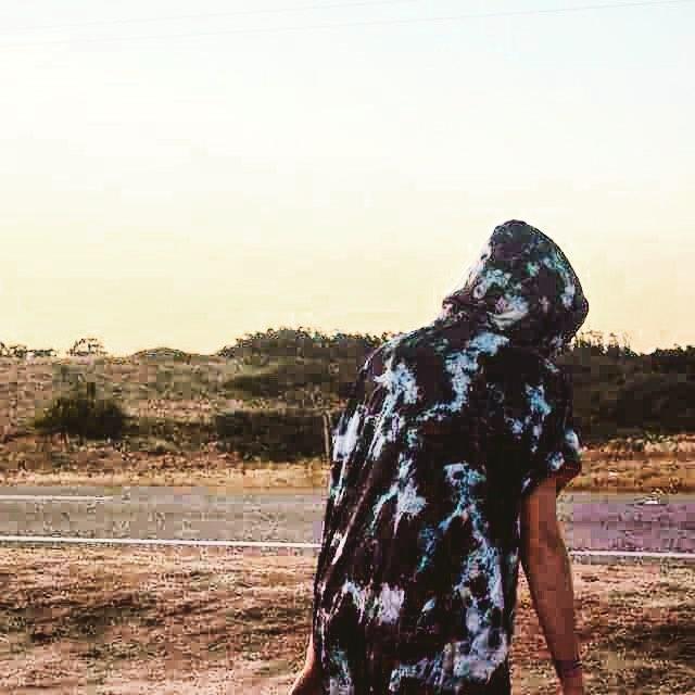 Nuestra wilder @paulahastrup la rompe con su poncho a lo #WildOnWater en todos sus Kite Trips, los podes encontrar en @wildonwaterclub  #livewildonwater #lifeiswow #livingwow #kitegirl