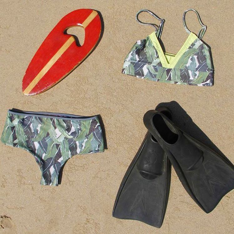 Getting ready for de weekend @woodhead handplanes ♥♥ #katwai #swimwear #handplane #bodysurf #enjoytheweekend