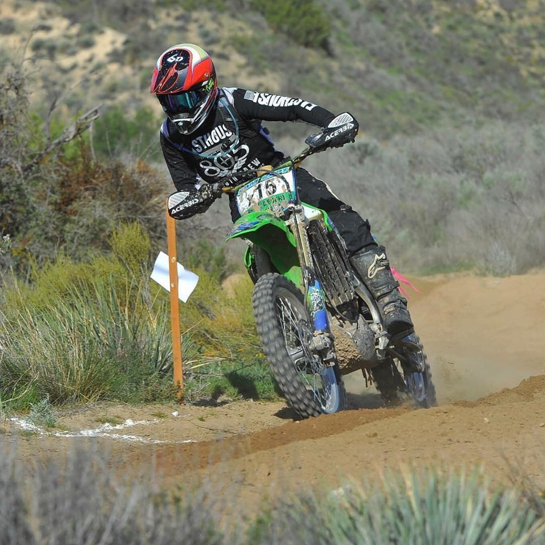@samcapt wins our #FanShotFriday this week with a pinned throttle through the turn wearing our #BushwickXT goggles. You can win too! Just upload a shot of yourself getting wild in your VZ gear and tag #VonZipper for a chance to win a prize package from...