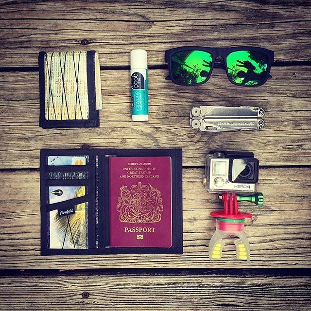 Ambassador @andrephillip with the Saturday #pocketdump  #Flowfold Vanguard and Navigator passport wallet are available using link in profile.