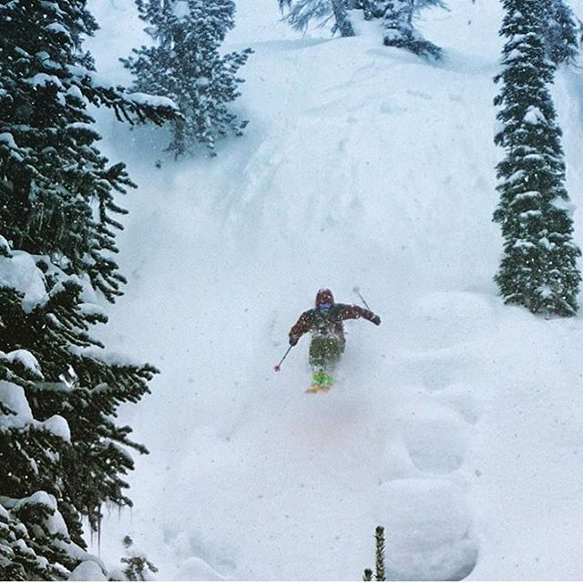 Flylow's Dylan Hood (@hoodylan ) doing what he does for the movies. @tetongravity PC: @ianmcintosh