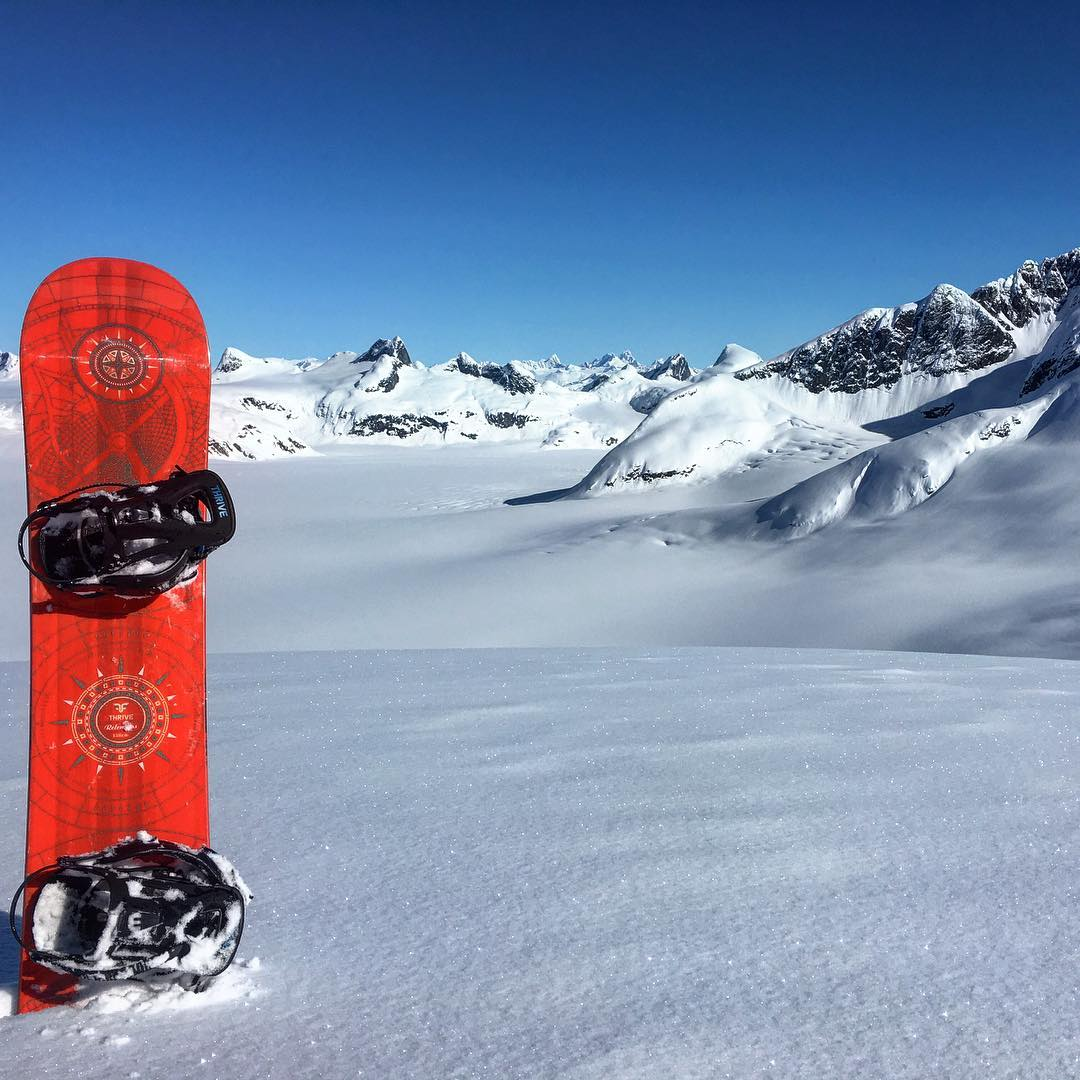 #alaska #snowboarding #glacier #alaskapowderdecents #relentless #snowboard #thrivesnowboards