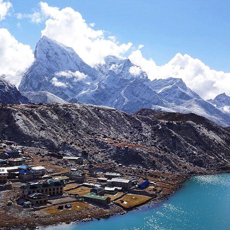 #VerticalNepal's view climbing #GokyoRi for #ASCSnowandIce. @lonniedupre #himalaya #nepal #thevalleybelow