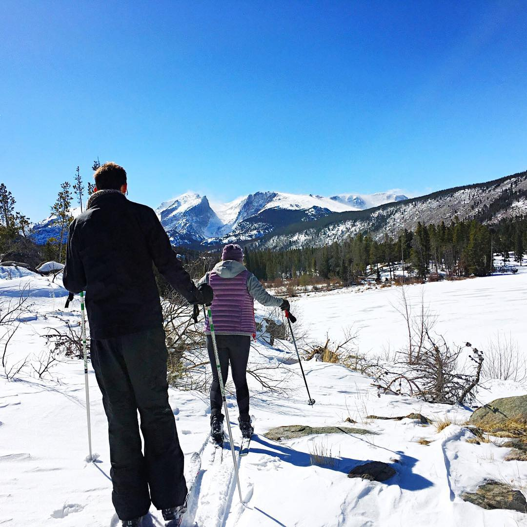 It's a beautiful day in Estes!! Cross country skiing through Rocky Mountain national park was gorgeous this Easter! #cxskiing #estespark #colorado #mountains #rockymountainnationalpark #rockymountain #snow #crosscountryskiing #photography #pretty...