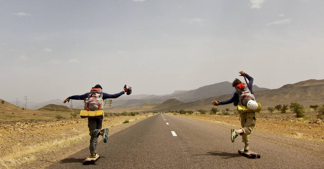Here @paskapookid and @theenevoldpeepshow shake a leg during the long journey somewhere in the Andes on their #raynelongtreks boards. A revival of the long distance pushing series is now available at Rayne.com and at your local wheelie board supplier!