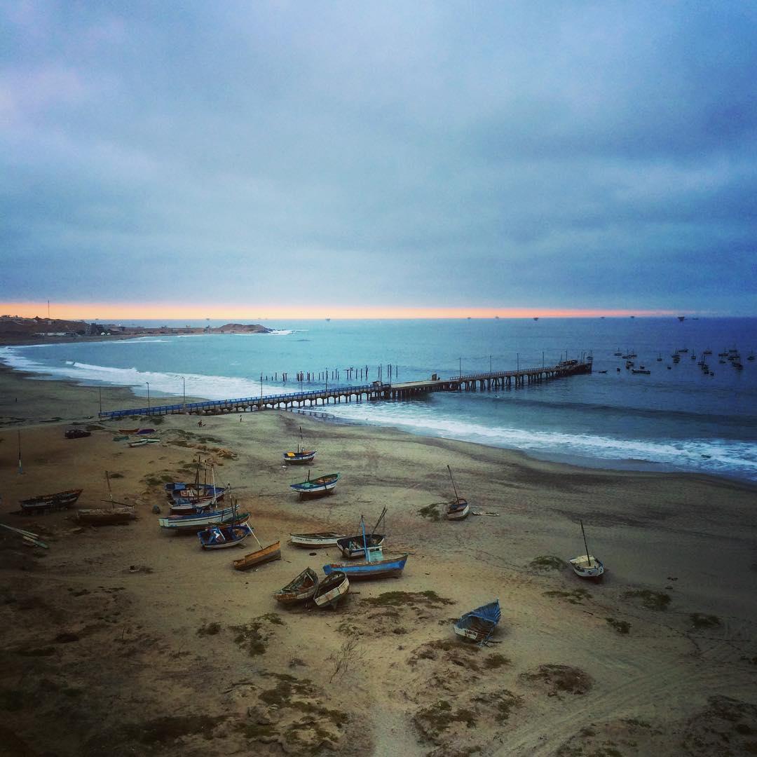 Home again... @billabongwomens #wandermuch #homeiswheretheartis #equipaso #love #sunset #c2c #Coast2Coast #lobitoscinemaproject #miprimerfestival #lobitos #Peru #rootsrockreggae #infinity #arte #comopapayaconlimon #coastalliving #communitylove...