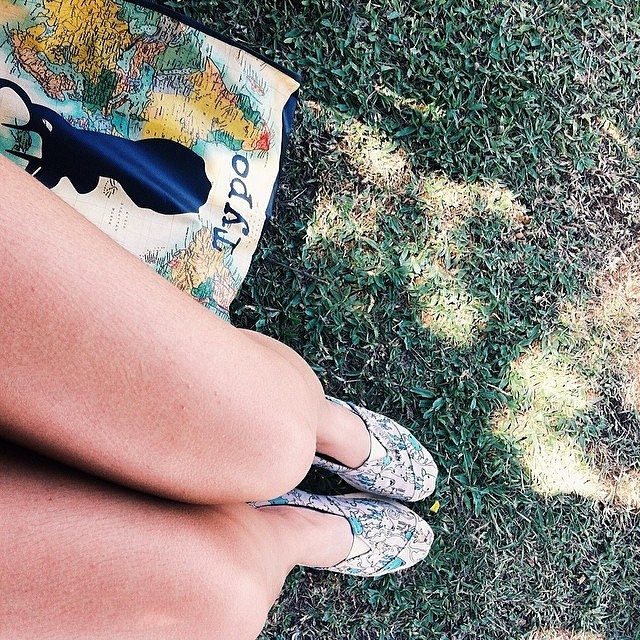 Today may be just like any other day but, IT'S YOURS!!! Regram: @juvergopolan #Paez #PaezShoes #PaezSelfie #Grass #Sunlight