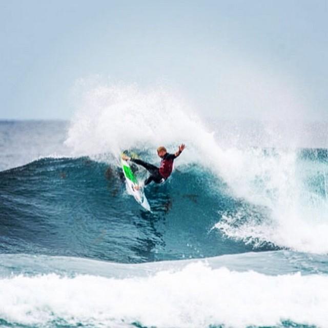 El gran Mick Fanning.- @mfanno #soul #surfing #waves #reefargentina