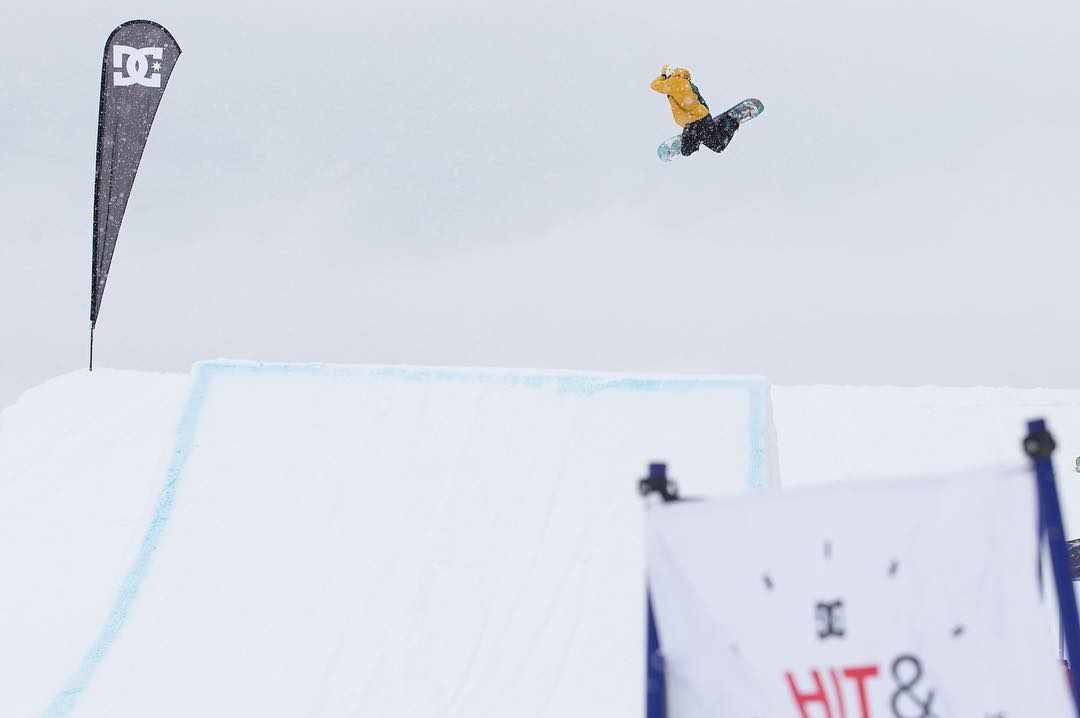 The #dchitandrun event series wrapped up this past weekend at @whistlerblackcomb, check out the full photo recap now at -> dcshoes.com/hitandrun. Photo: @barkerfoto. @dc_snowboarding @snowboardermag #dcshoes #dcsnowboarding