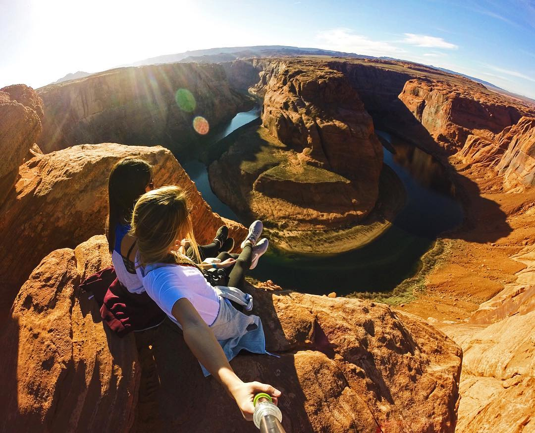 Weekend getaway hike to Horseshoe Bend in Arizona with @gabswadsworth & @bayleeymartinn GoPro HERO4 | GoPole Evo #gopro #gopole #gopoleevo #horseshoebend #hiking