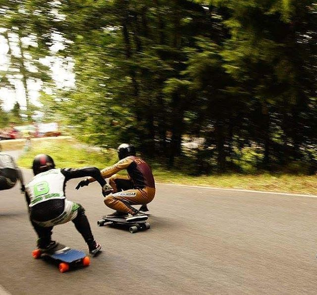 Efficient #footbrake by @charlesouimet at #kozakovchallenge #restlessboards #restlessnkd